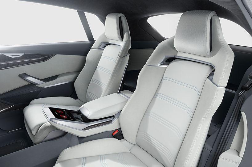 Audi Presents Hybrid Q8 Concept Car At Naias 2017 Concept Cars Audi Interior Audi
