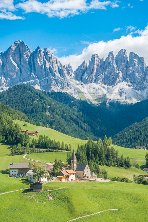 The breathtaking region around the Dolomites of Italy is honestly one of the most beautiful places on earth. This picturesque countryside is full of rugged mountains, scenic hikes, beautiful lakes with brilliant turquoise waters, and charming, tiny villages straight out of a fairytale. #italianalps #alps #hiking #trekking #italy #adventuretravel