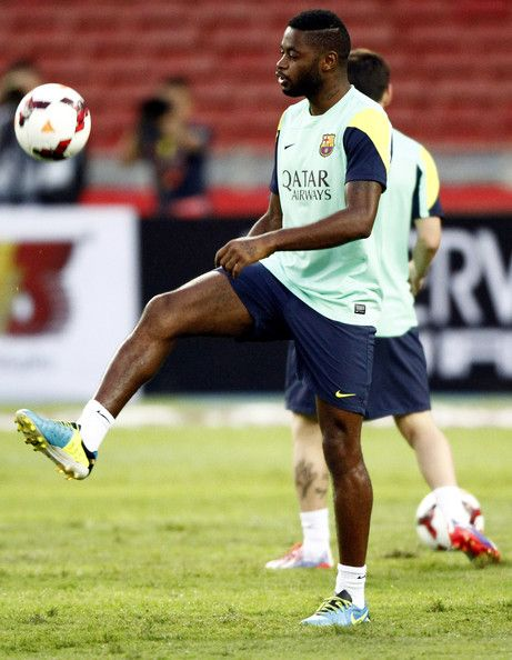 Alex Song of Barcelona controls the ball during a Barcelona FC training session at Bukit Jalil National Stadium on August 9, 2013 in Kuala Lumpur, Malaysia.