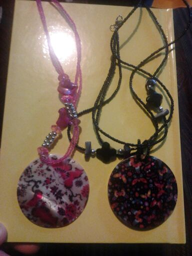 2 BEAUTIFUL NECKLACES..