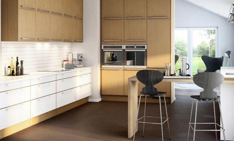 Küchenschränke in weiß und Eiche mit Stahl Griffen | Offene Küche ...