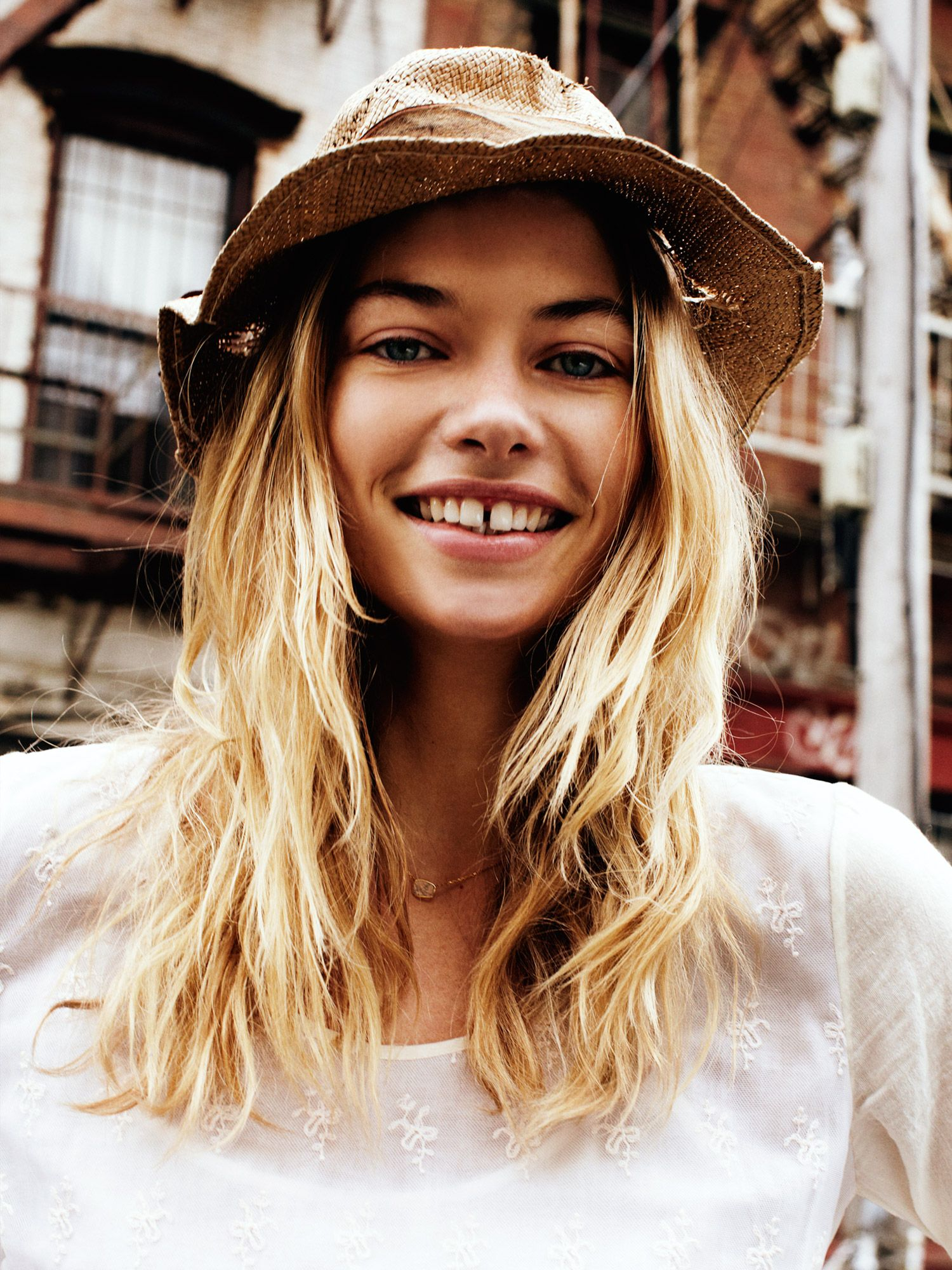 Pin by Bruna Oliveira on looks i like Gap teeth, Jessica