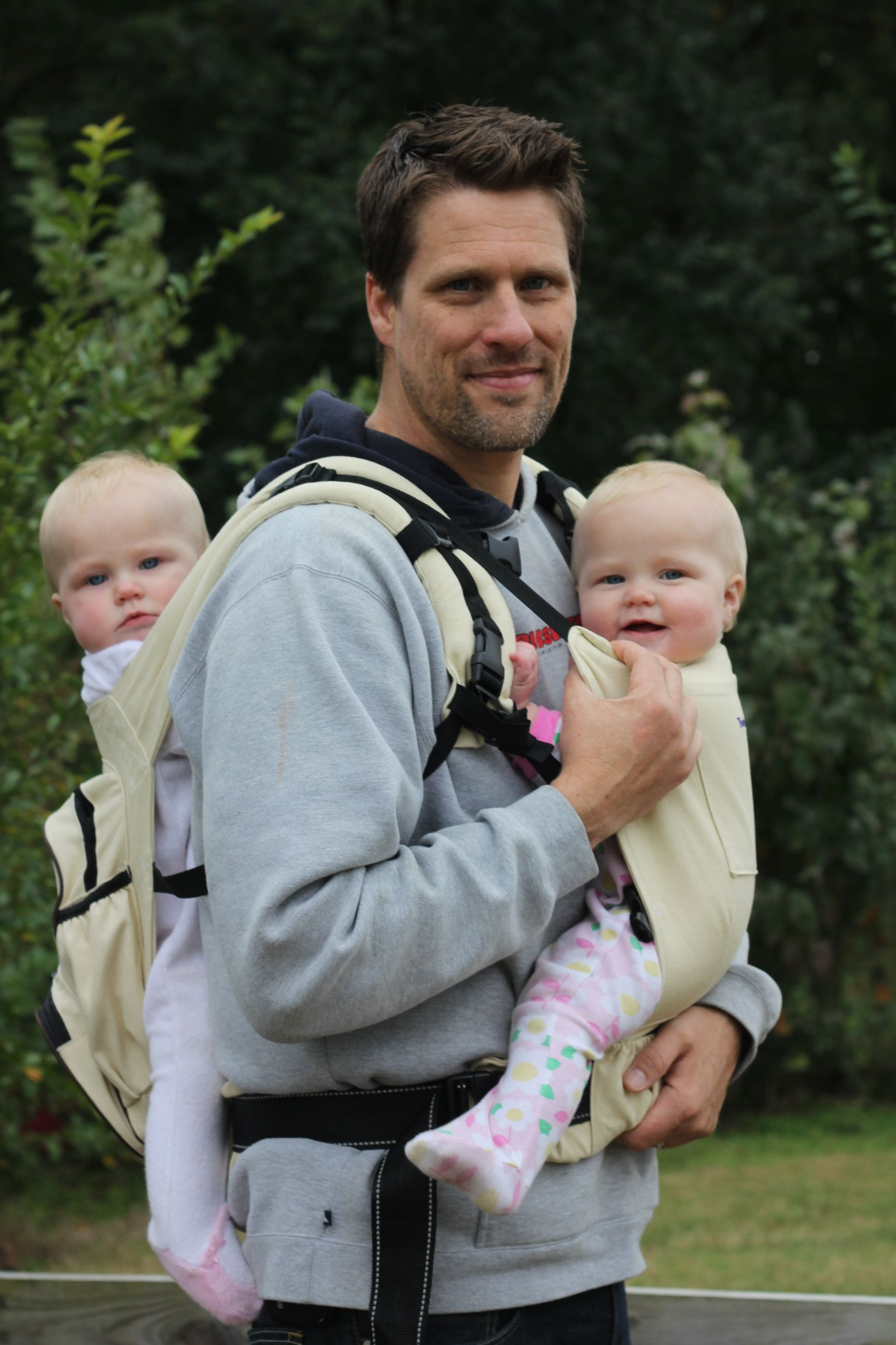81766ae5328 Dads love the Twingaroo  twin baby carrier!