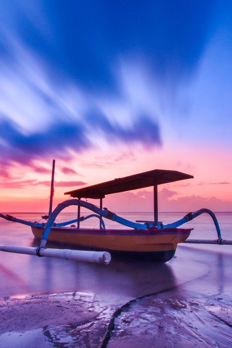 Photo by Nuno Obey. Discover more free photos from Nuno: https://www.pexels.com/u/nuno-obey-34504 #sea #dawn #sky