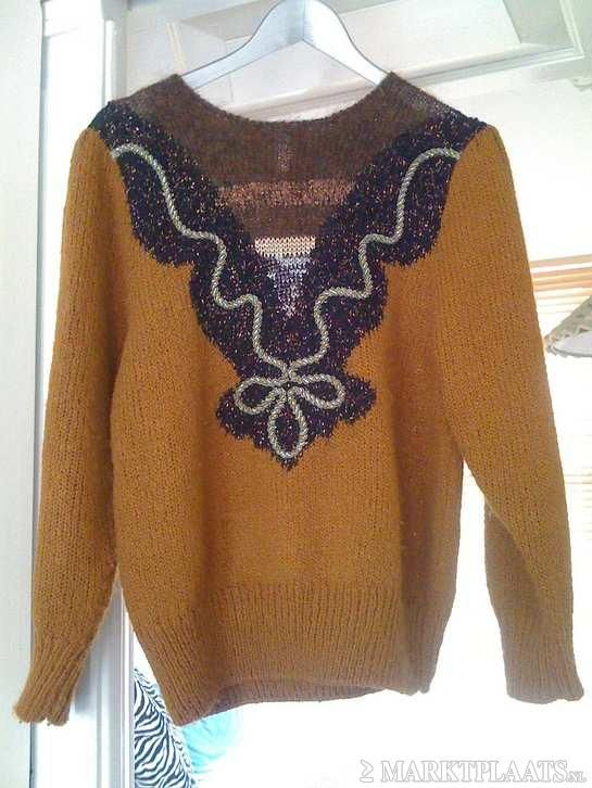Vintage Light Brown Knitted Sweater with Embroidery