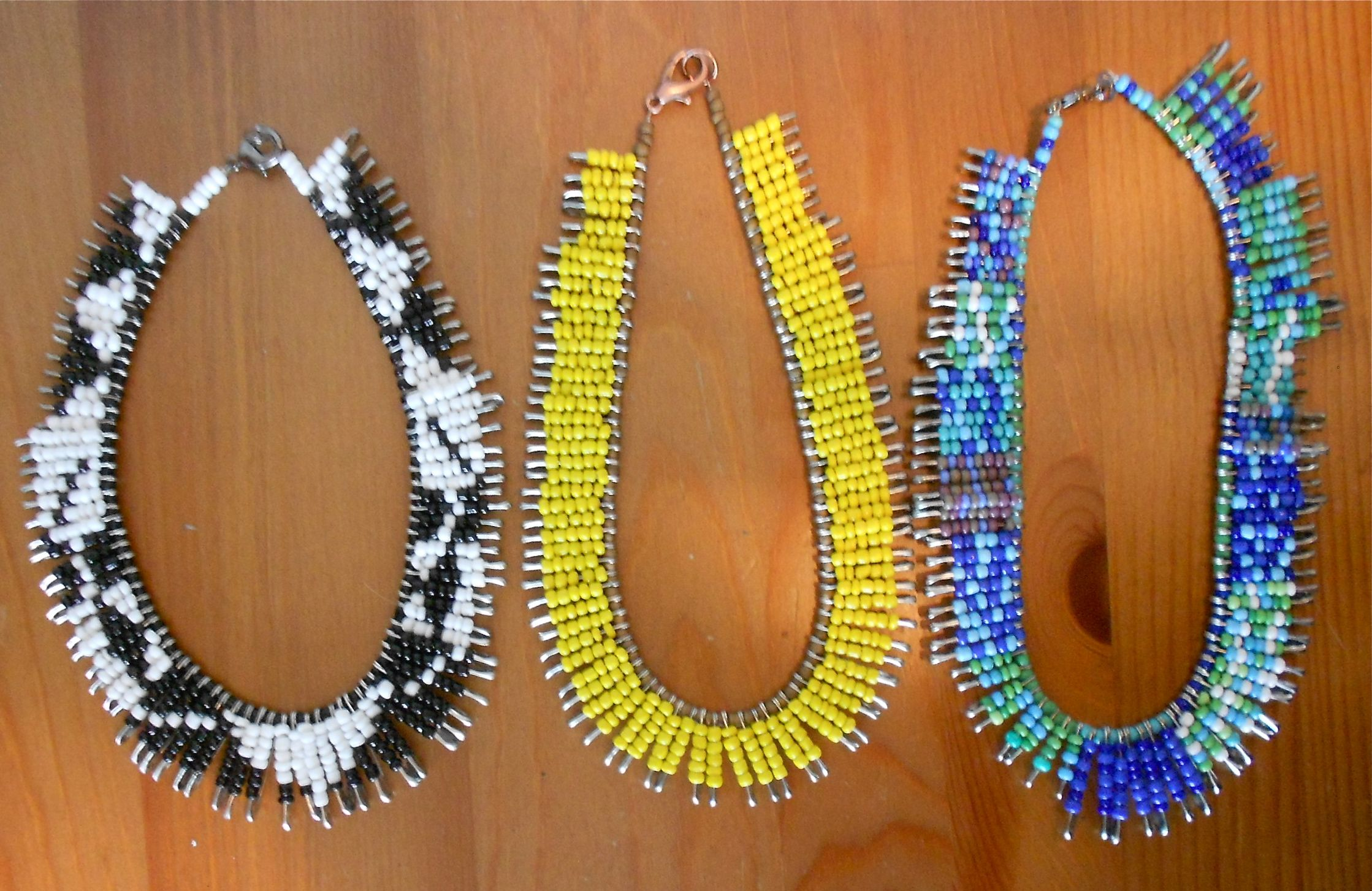 How To Safety Pin Seed Bead Necklaces Safety pin crafts