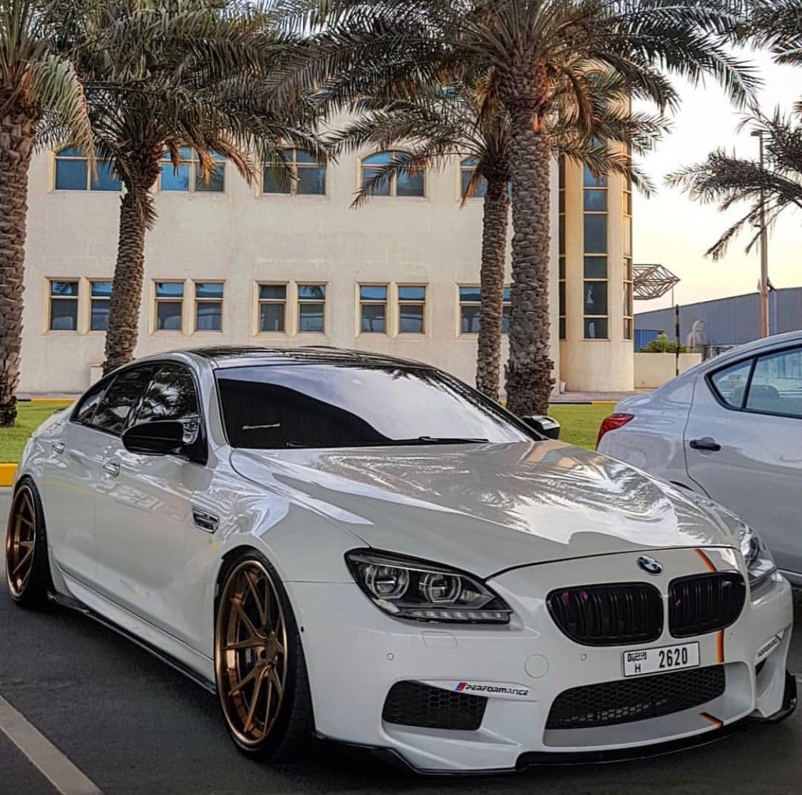 Bmw M6 Gran Coupe Snow White With Images Bmw 650i Gran Coupe