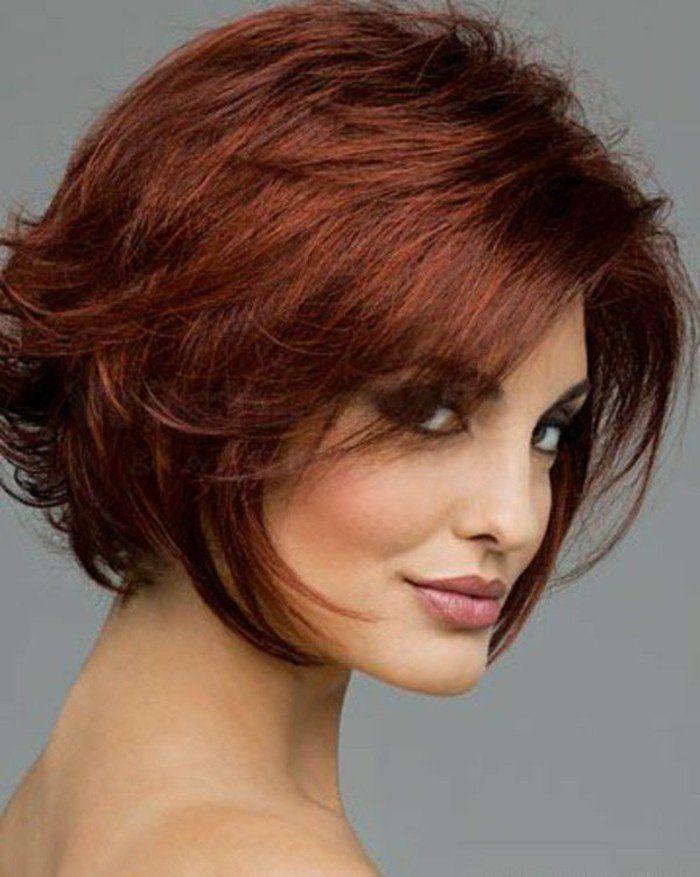 Coupe de cheveux courte femme rouge