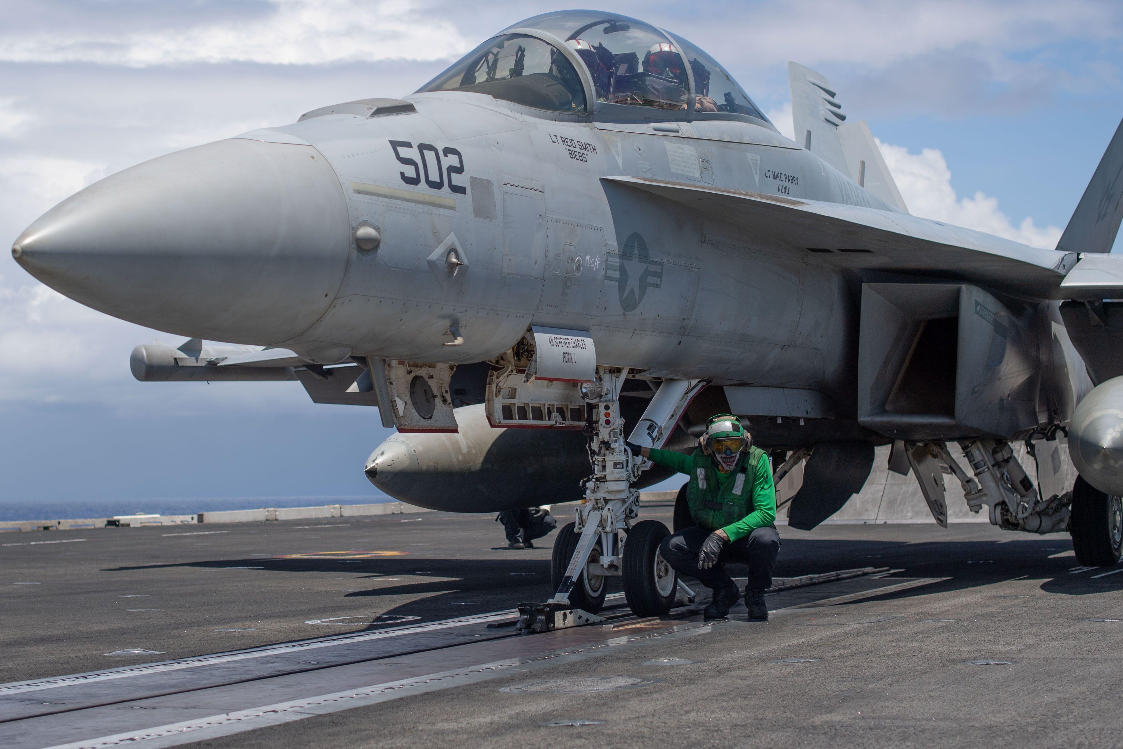 INDIAN OCEAN (Jan  28, 2019) Aviation Boatswain's Mate
