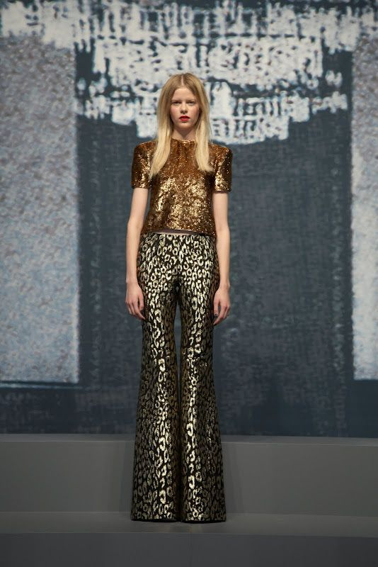 rockin' pants in brocade.  fun holiday party outfit.