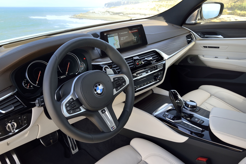 Pin De Ninđuka Em Automotive Em 2020 Carros De Luxo Gran