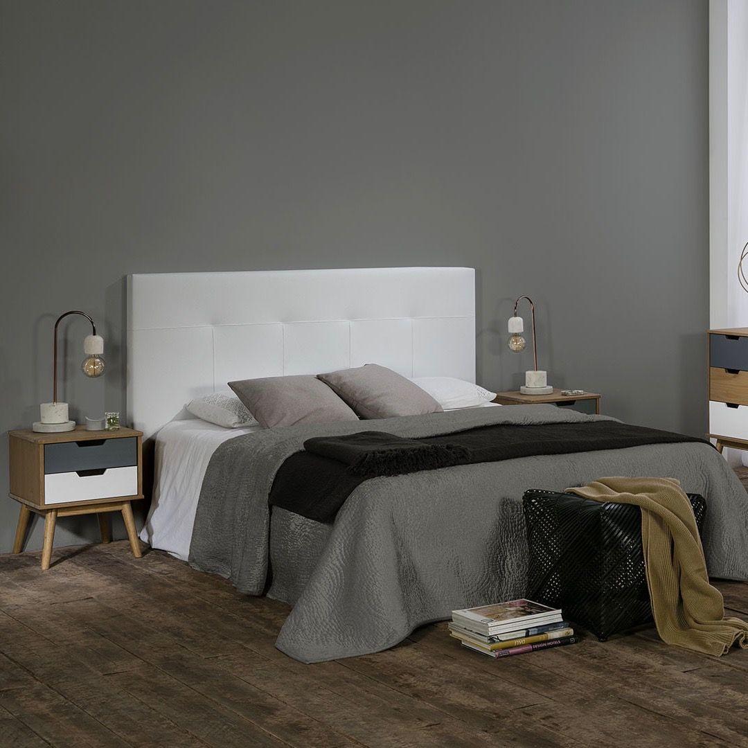 Chambre En Nuances De Gris Style Scandinave Par Bobochic Paris Deco Chambre Parental Chambre A Coucher Gris Et Blanc Deco Chambre Gris Et Blanc