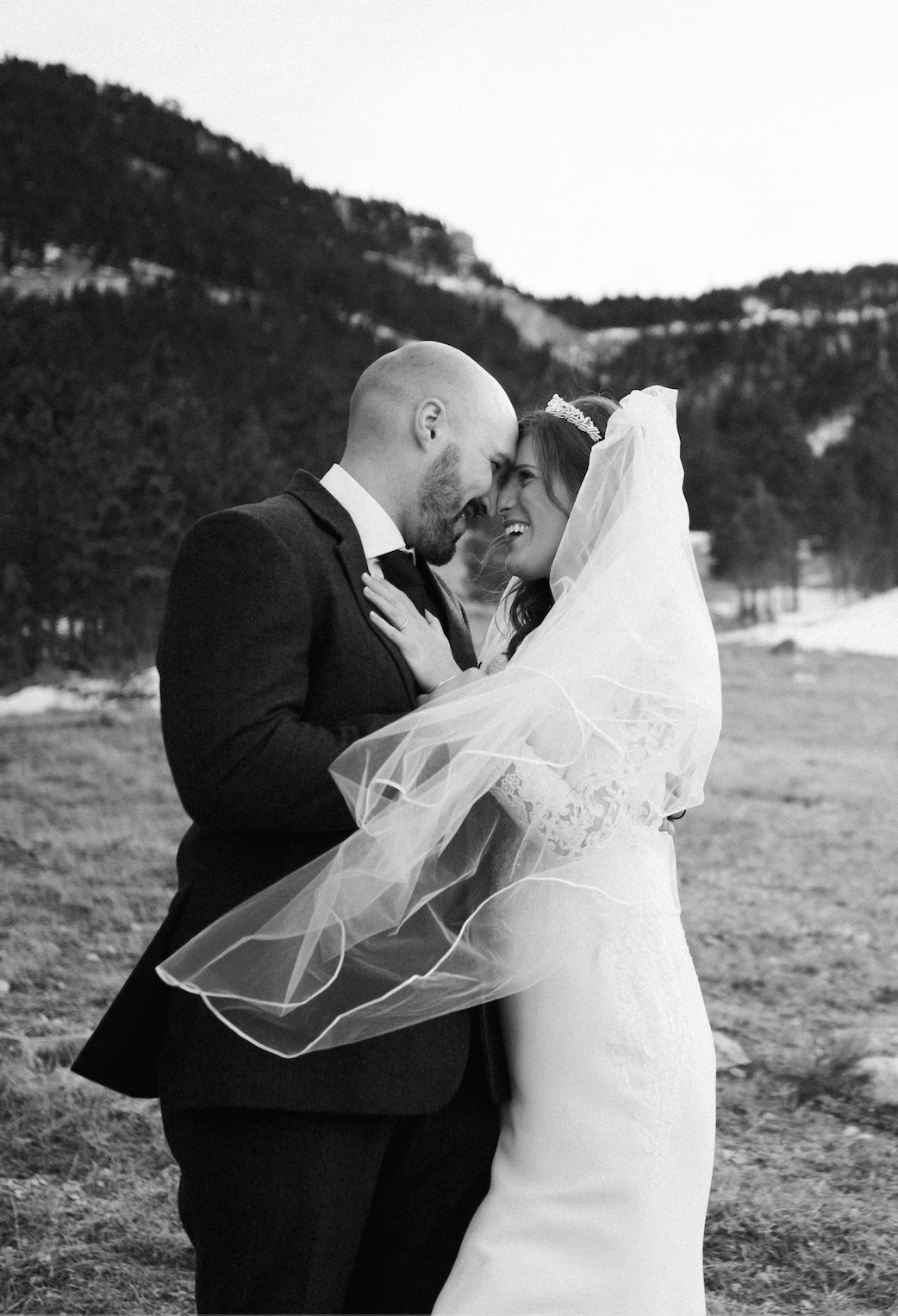 Bride And Groom Wedding Photography In The Mountains In 2020 Montana Wedding Photographer Montana Wedding Wedding Photographers