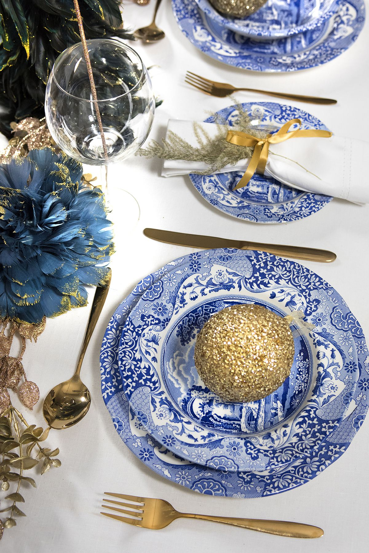 Spode Blue Italian Is A Timeless Classic Steeped In History Add A Touch Of Classic British Style To Your Table Vintage Tea Parties Christmas Dining Tableware