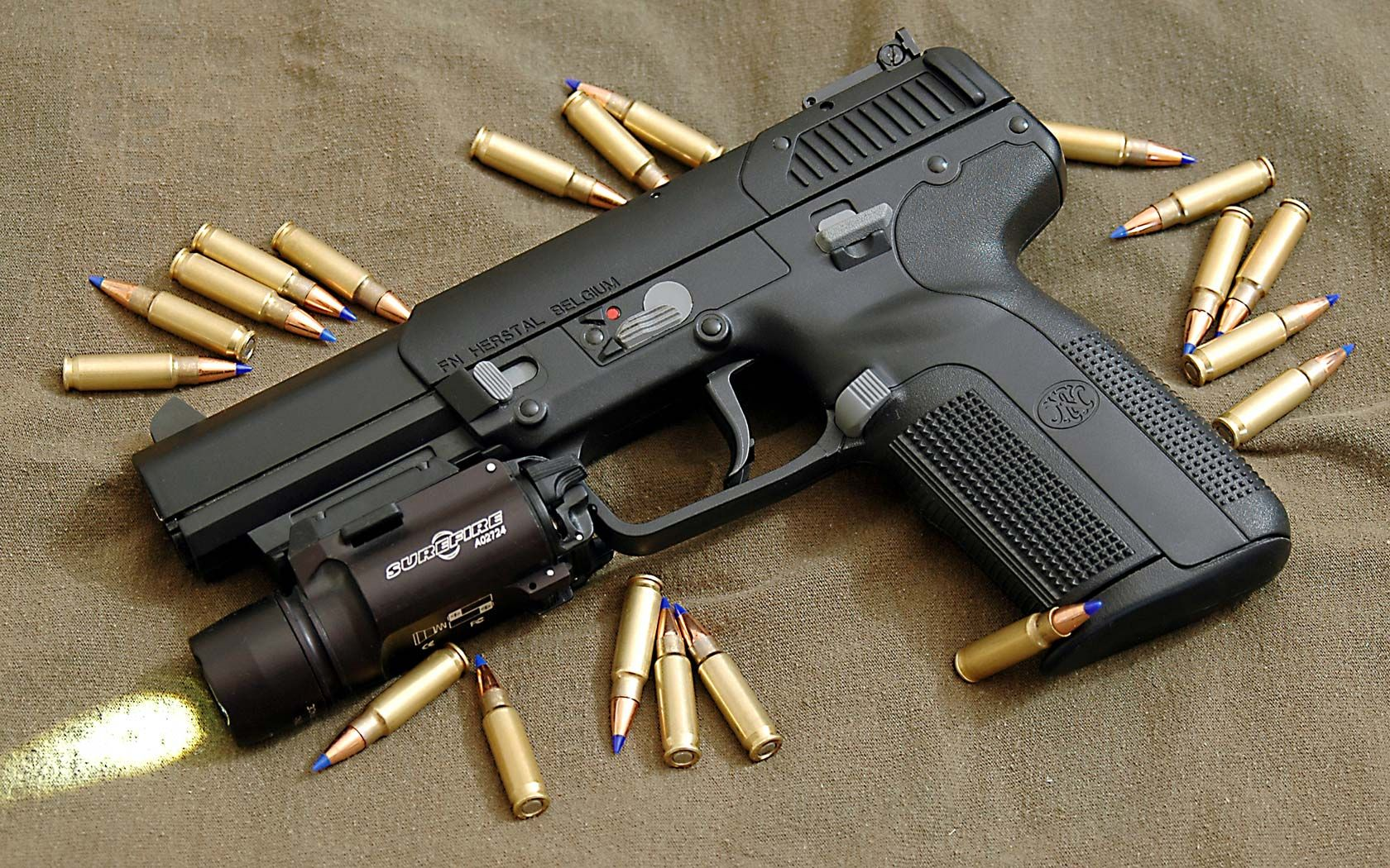 Fn Five Seven Wikipedia The Free Encyclopedia Hand Guns Guns Badass Guns