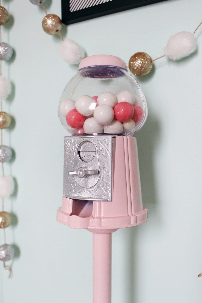 Stand for Vintage Style Gumball Machine