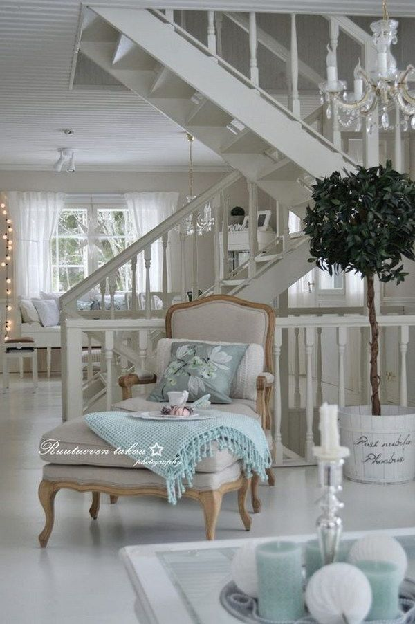 All White With Just A Little Touch Of Color Chic Living Room Shabby Chic Living Room Shabby Chic Living