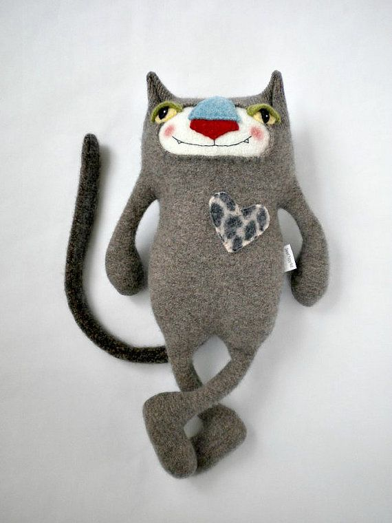Stuffed Animal Sweater Cat por sweetpoppycat en Etsy