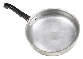 Aluminum Cookware Reacts With Acidic Foods Such As Tomato Products