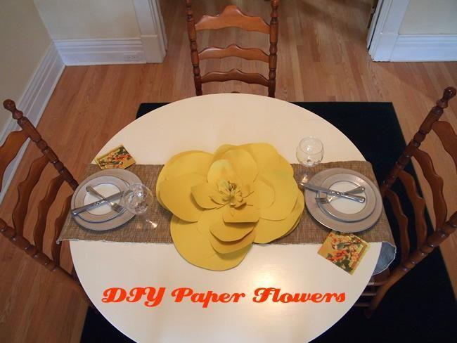 DIY Construction Paper: DIY Paper Flowers #constructionpaperflowers DIY Construction Paper: DIY Paper Flowers #giantpaperflowers