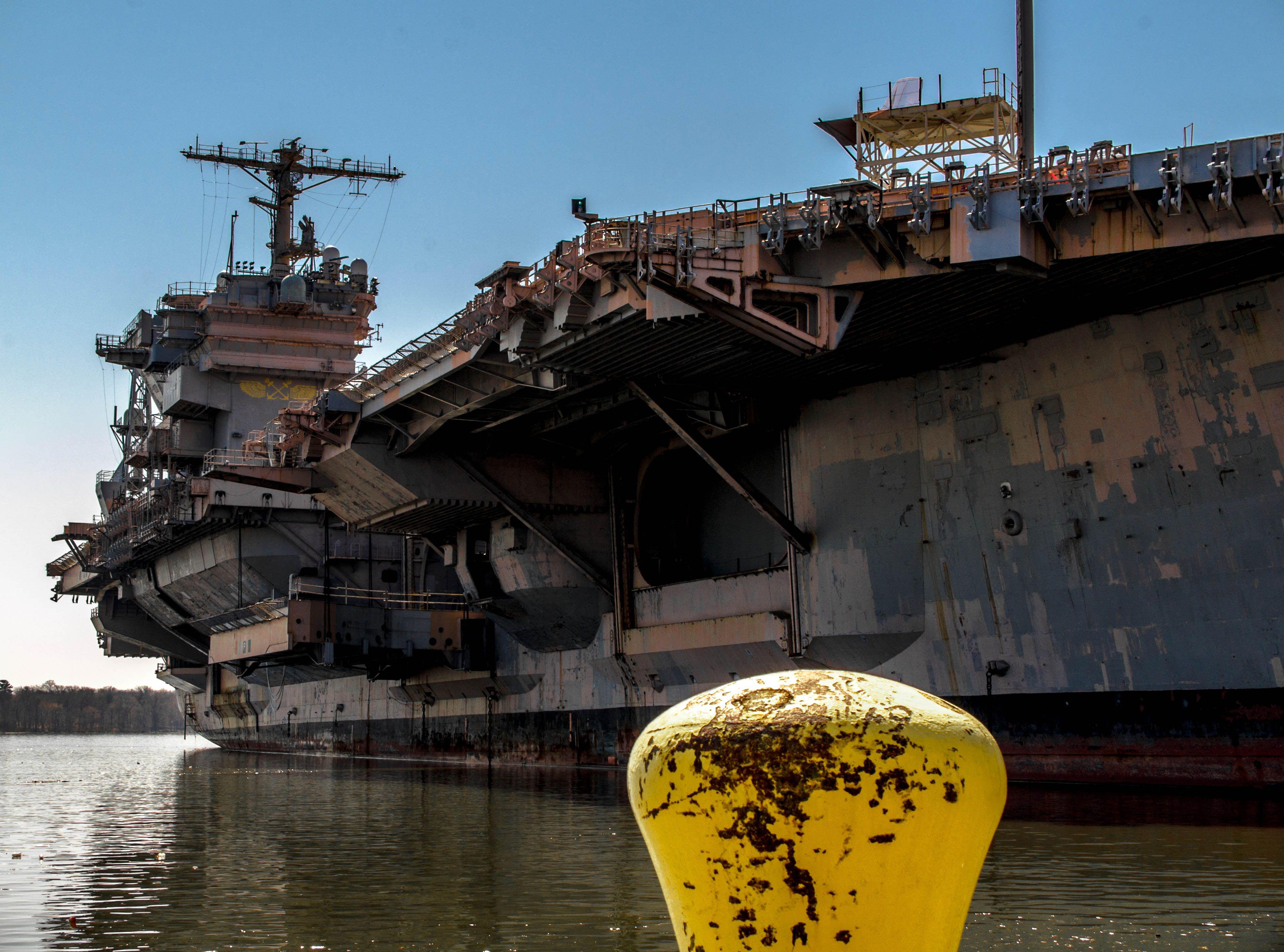 USS John F Kennedy CV 67 Rusts In Philly [OC] 3982 X 2953
