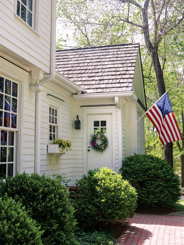 Royal Barry Wills Colonial Revival Old House Online Old House Online Colonial House Exteriors Colonial Exterior House Exterior