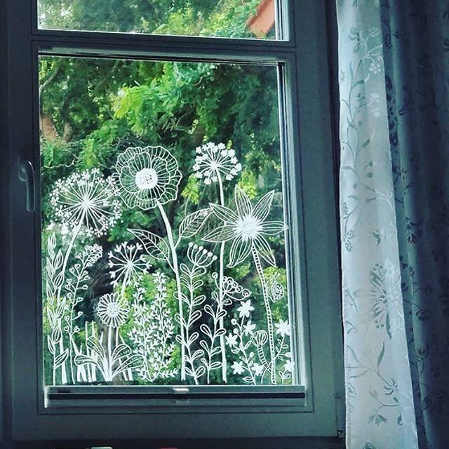 """Photo of Bine Brändle on Instagram: """"Bücherschrank mit Mandala-Verzierung🤗 😍💗😍💗😍💗😍 📷 Fotos von @anni.storm  Danke Anni, ich liebe Deine Bilder🤗 Sie sind traumhaft🤗💗💋 Nicht nur…"""""""