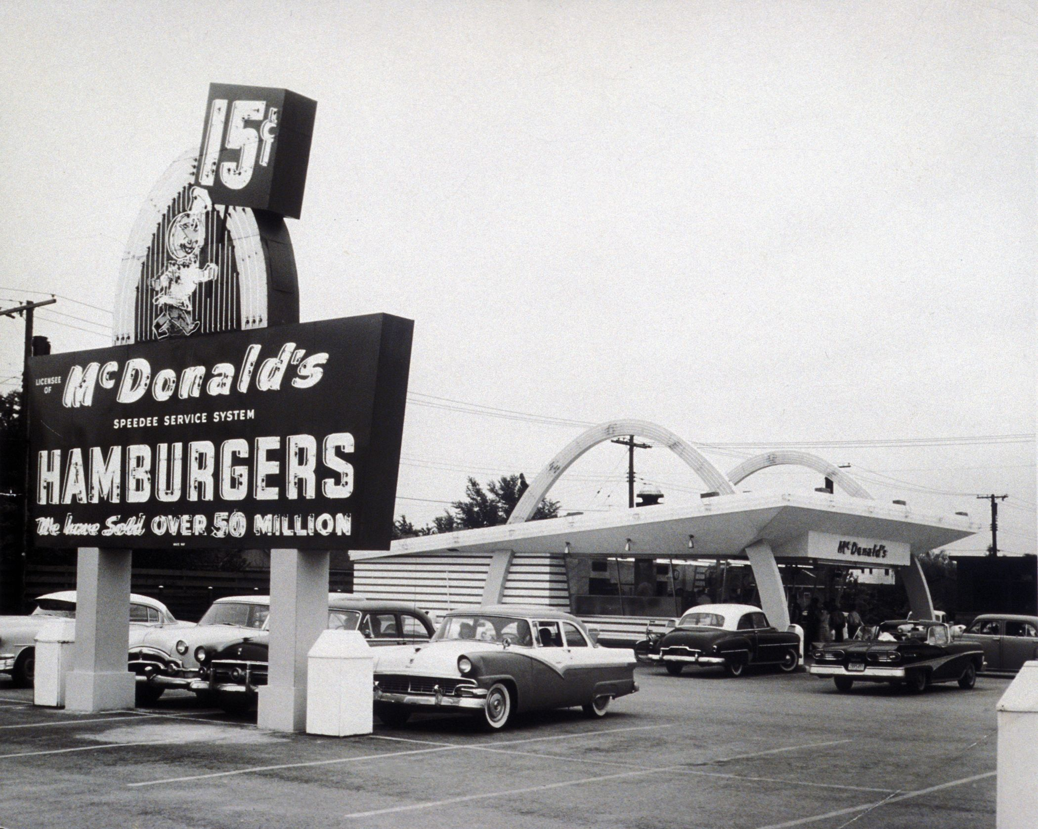 1955 The Mcdonalds Franchise The Mcdonalds Business Began In 1940 With A Restaurant By Brothers And Mac Mcdonald In San Bernardino California