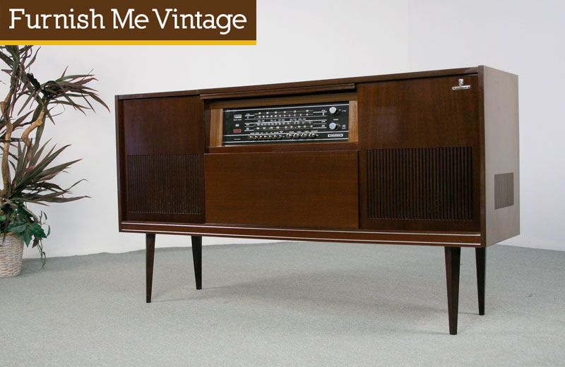 Good Retro 1960s Grunding Stereo Console