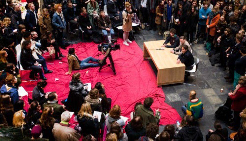 Studenten demonstreren in het Maagdenhuis Amsterdam