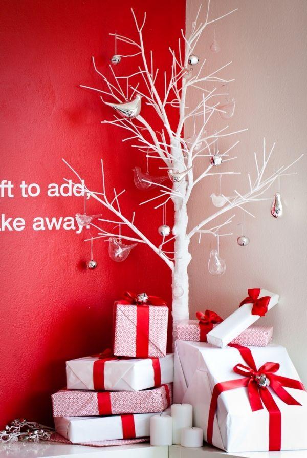weihnachtsdeko ideen rot weiß baum geschenke minimalistisch - weihnachtsdeko ideen