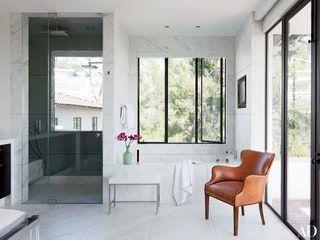 22 Luxury Bathrooms in Celebrity Homes