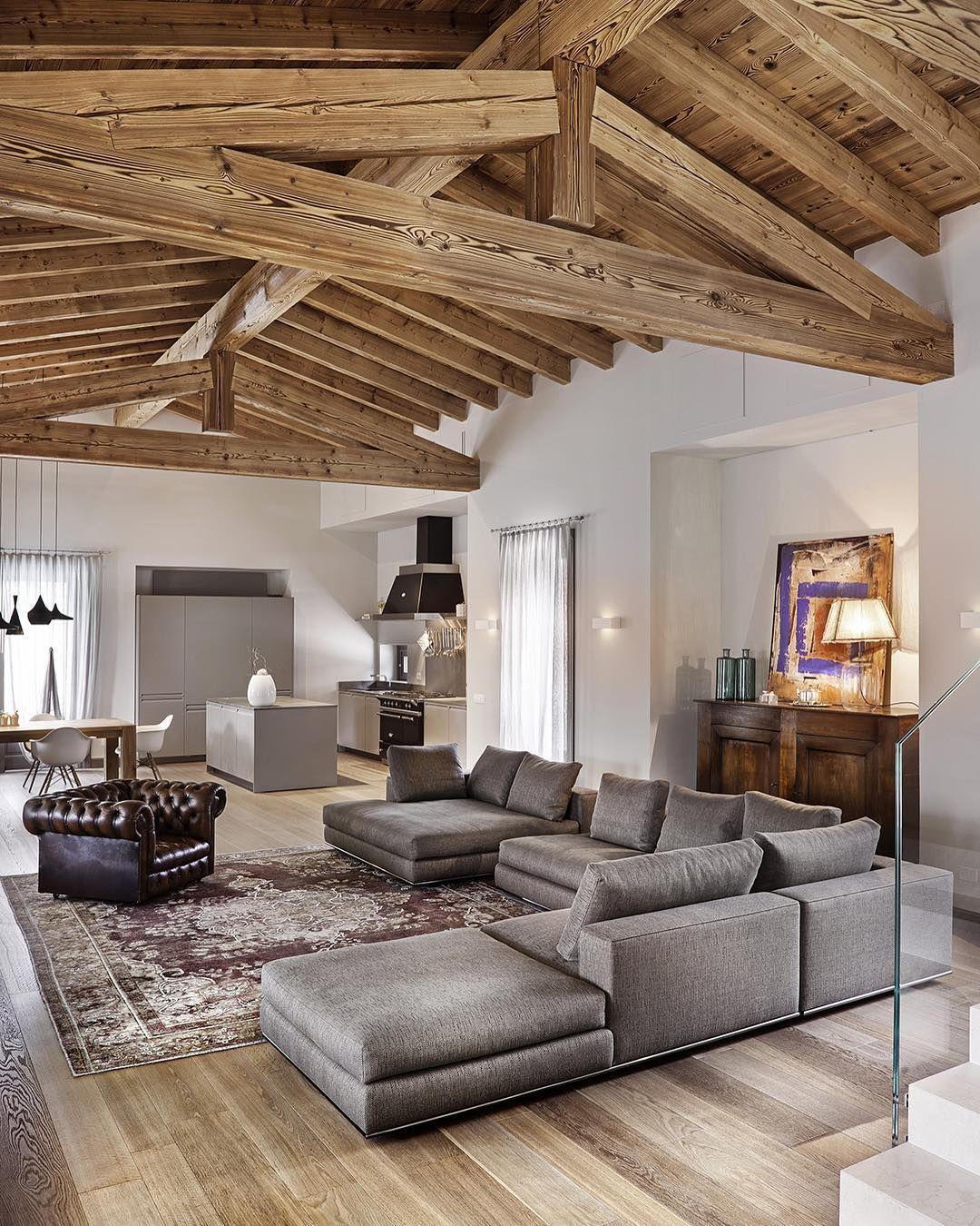 Michele notarangelo on instagram correva quin 8 for Arredamento case antiche