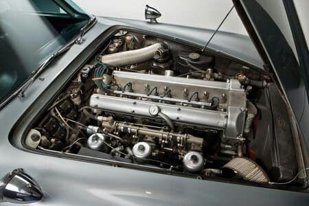 James Bond S Aston Martin Db5 From The Films Goldfinger And Thunderball Motor