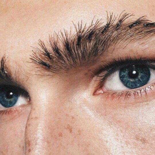 Individual Lashes Used As Eyebrow Enhancer