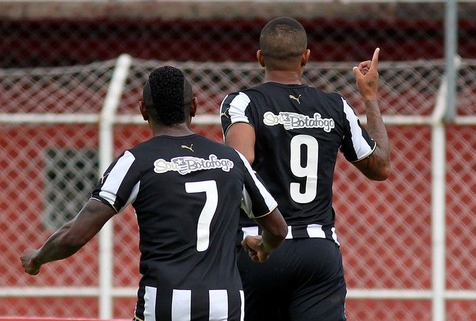 BotafogoDePrimeira: Bill supera problema fora do campo e confirma a bo...