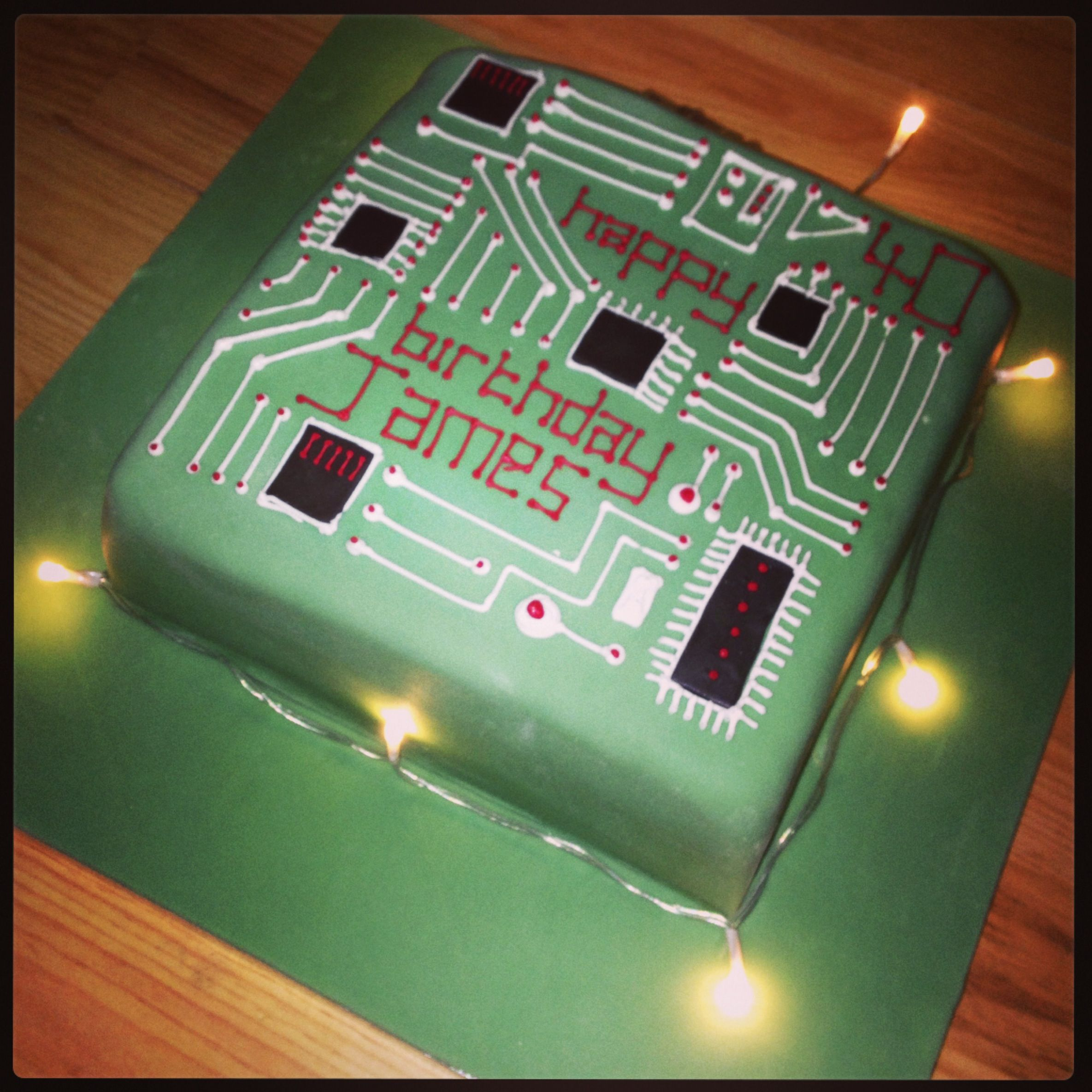 25 Best Ideas About Computer Cake On Pinterest: Circuit Board Cake