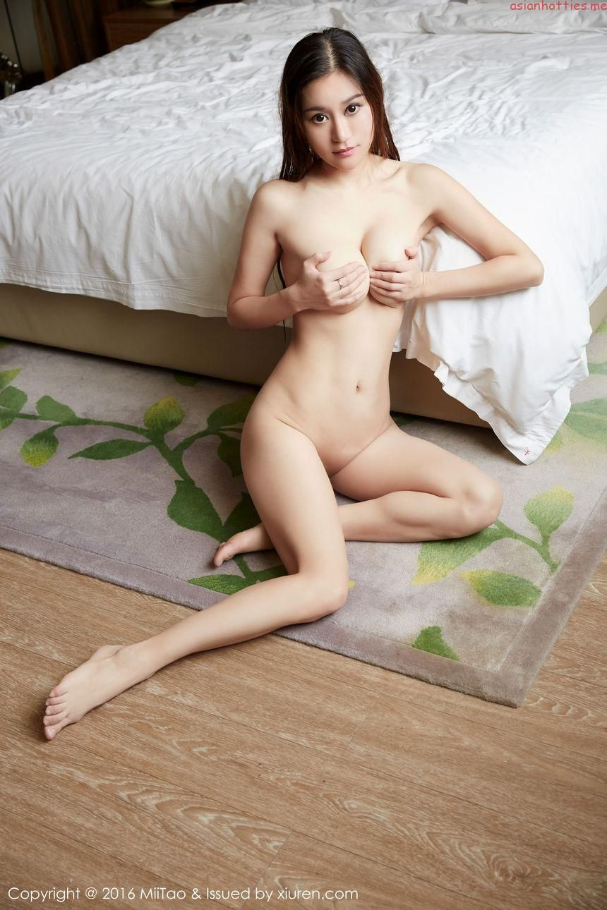 Shaved sexy models