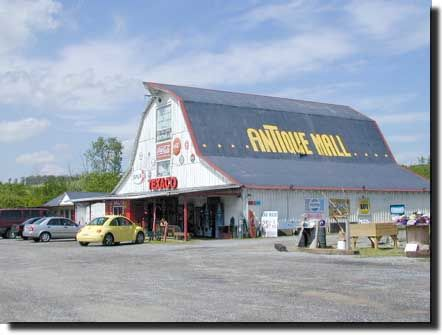 Action Antique Mall In Sevierville Tn 865 453 0052 On The Great