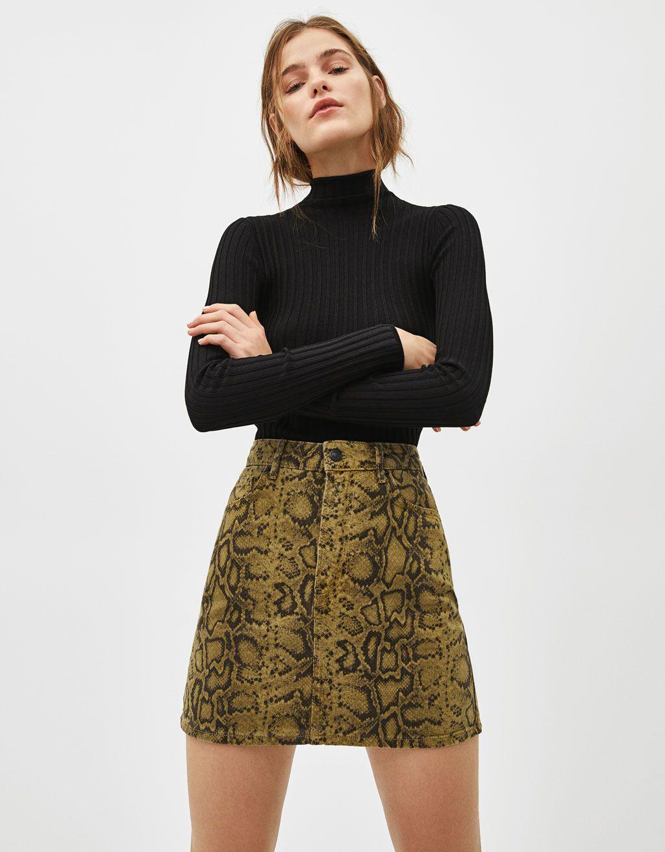 92687ef3ad65 Snakeskin print denim skirt in 2019 | SKIRTS | Denim skirt outfit ...