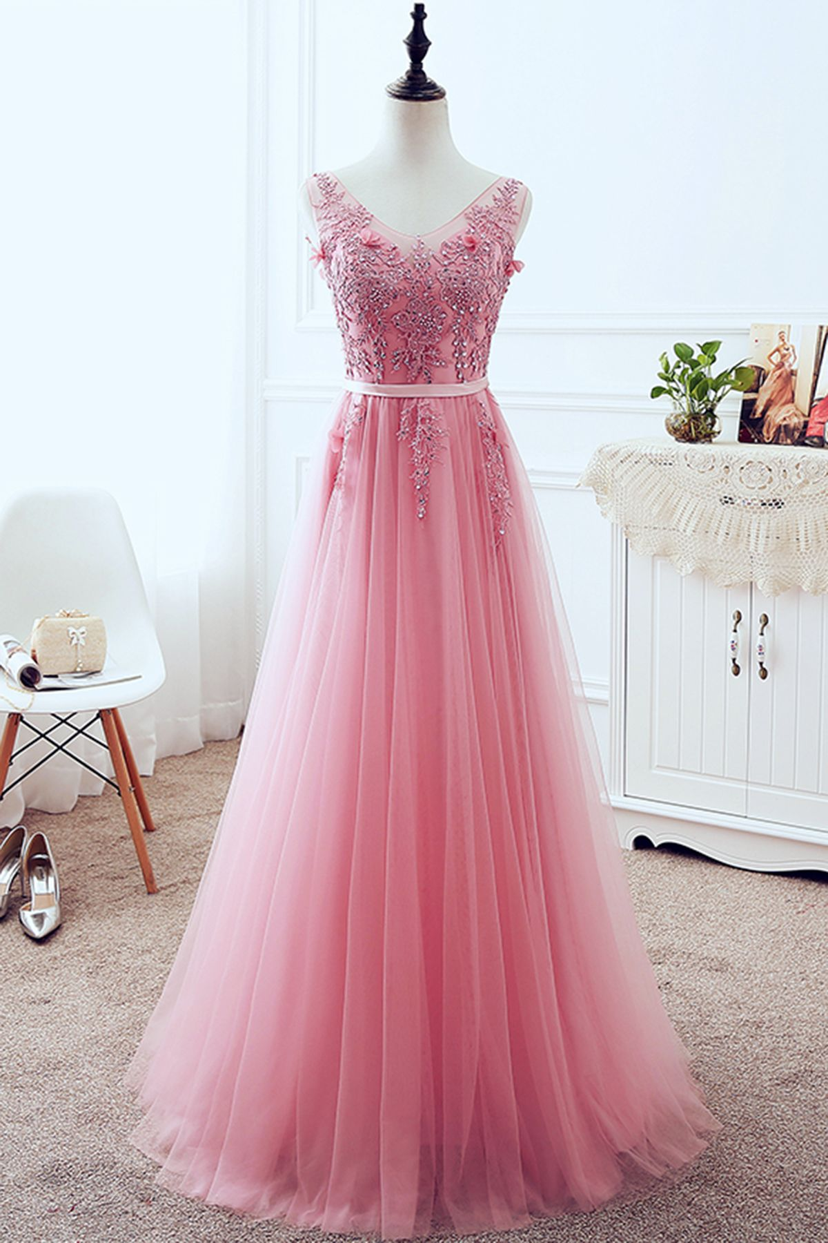 Charming V Neck Appliques Beaded Homecoming Dress, Elegant ...