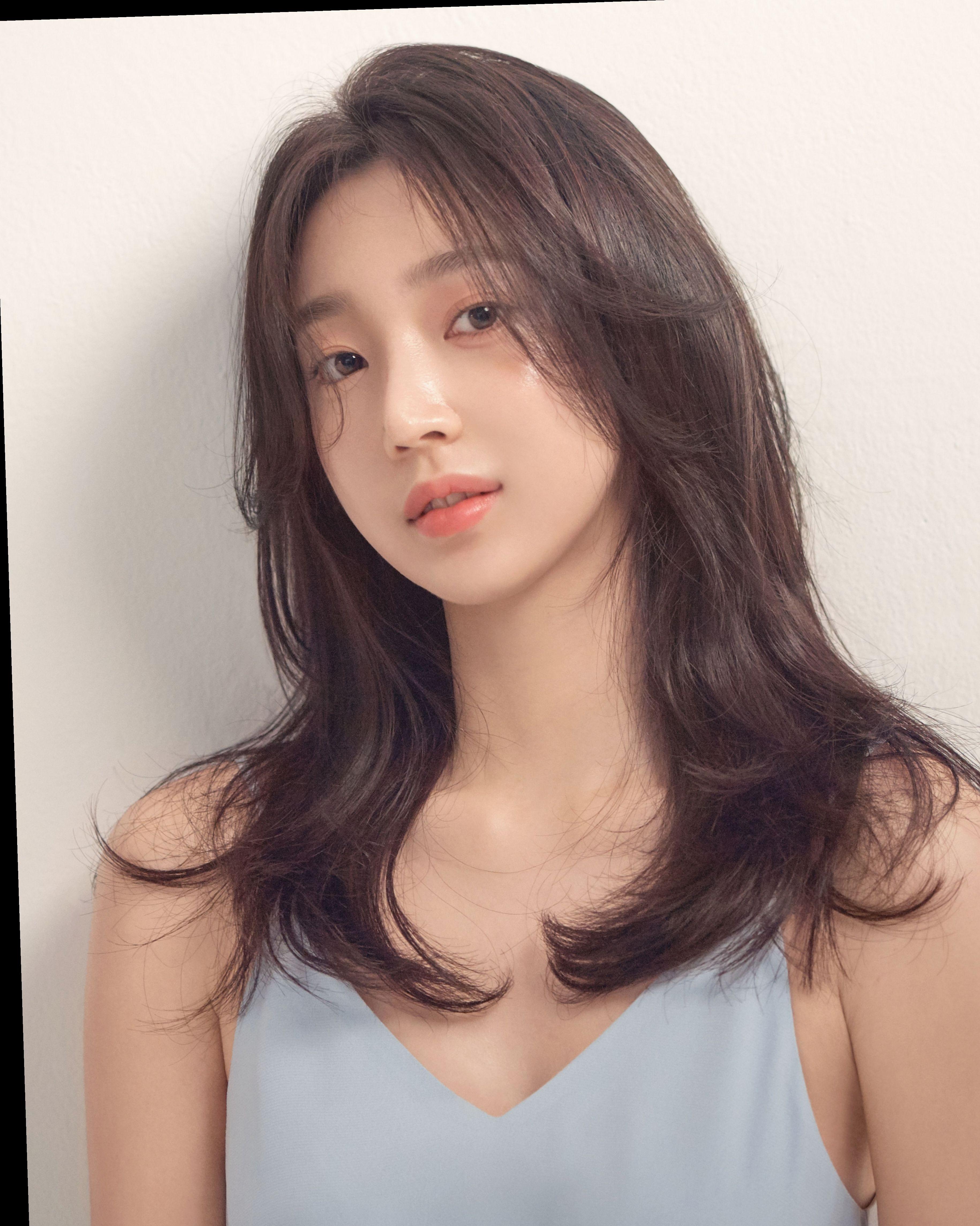 Hairstyles 2019 Trends Korean Livedinhair Salonrepublic Beachwavehair Hair Styles Medium Hair Styles Korean Medium Hair