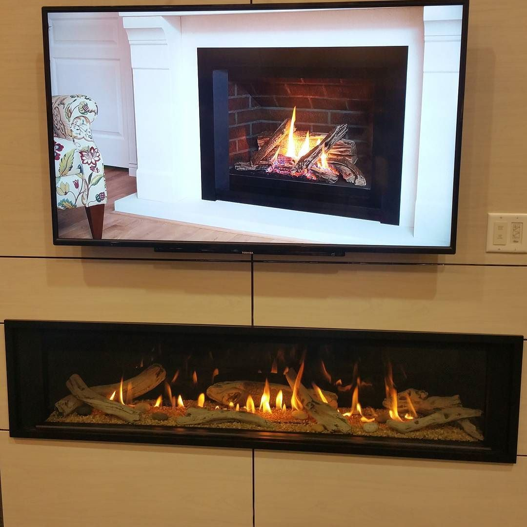 Valor Direct Vent Gas Fireplace With Heat Directing Ducts Which Allow Closer Clearance To Combustibles Over Direct Vent Gas Fireplace Gas Fireplace Direct Vent