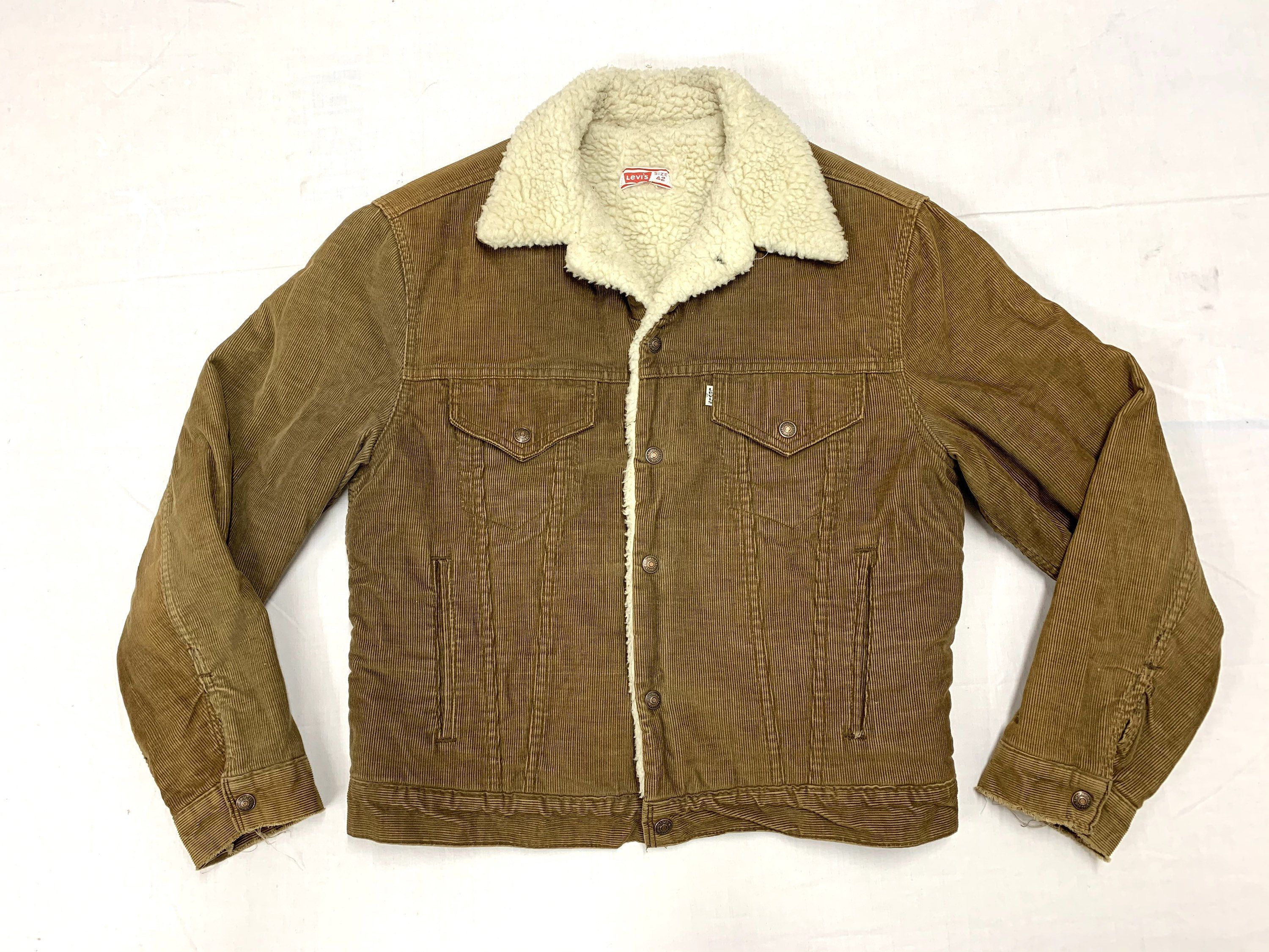 1980s Levis Fleece Lined Brown Corduroy Jean Jacket Size 42 Large 4 Pockets 959 By Sidvintage On Etsy Corduroy Jeans Levi Trending Outfits [ jpg ]