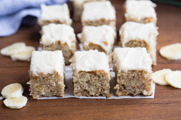 Banana Bread Bars #bananabreadbrownies