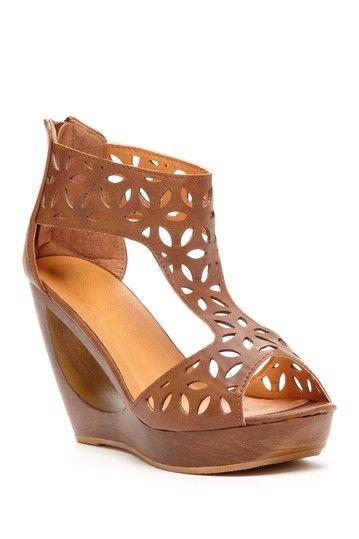 Bucco Prise Cutout Wedge Hautelook Trendy Shoes Fabulous Shoes Classy Shoes