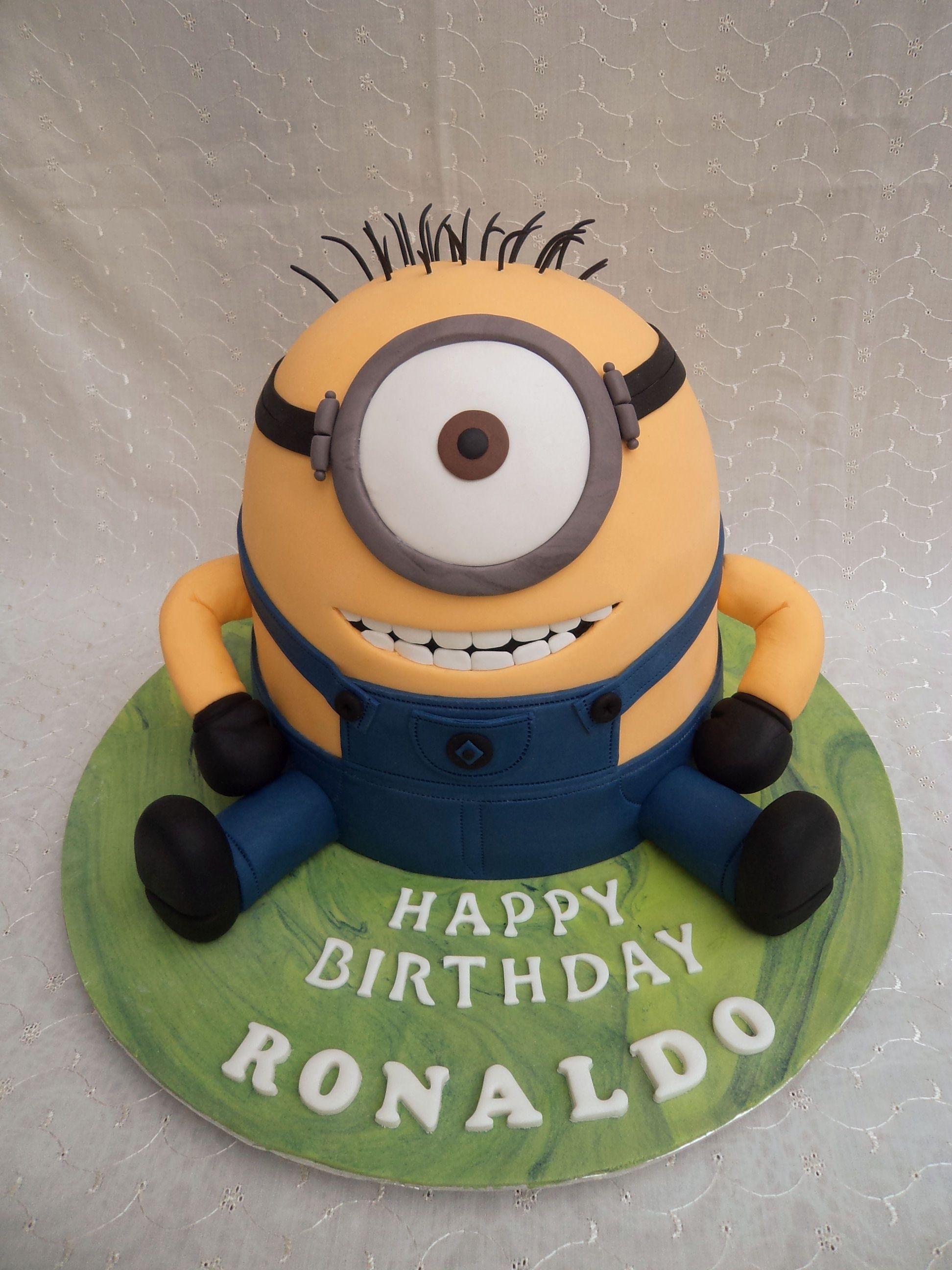 minion cake GATEAU MIGNON Pinterest Minion cakes Cake and