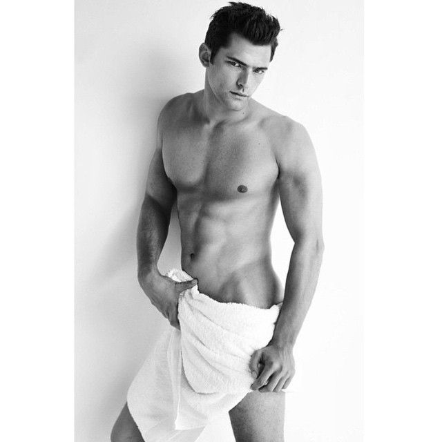Towel series 78 by @mariotestino