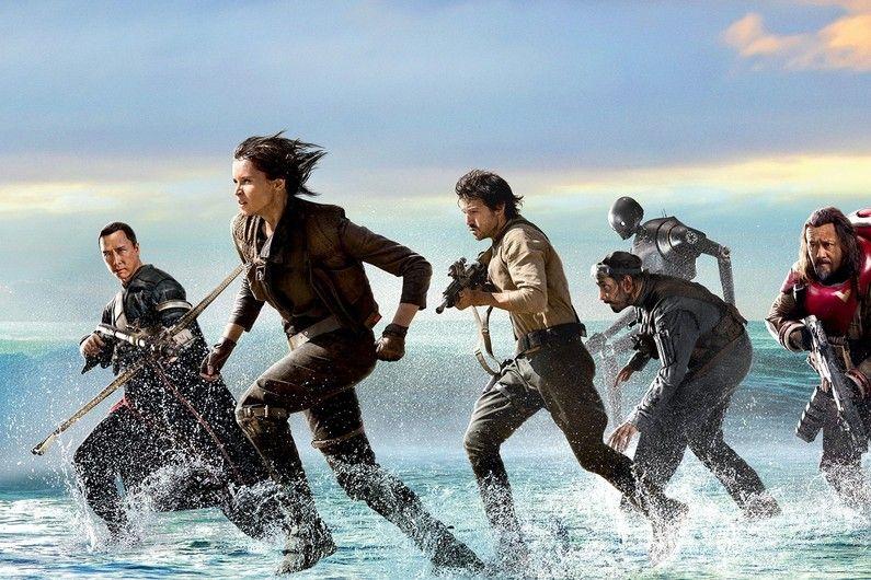 """Le nouveau film de la saga se dévoile. Un teaser et deux affiches de """"Rogue One"""" viennent d'être publiées."""