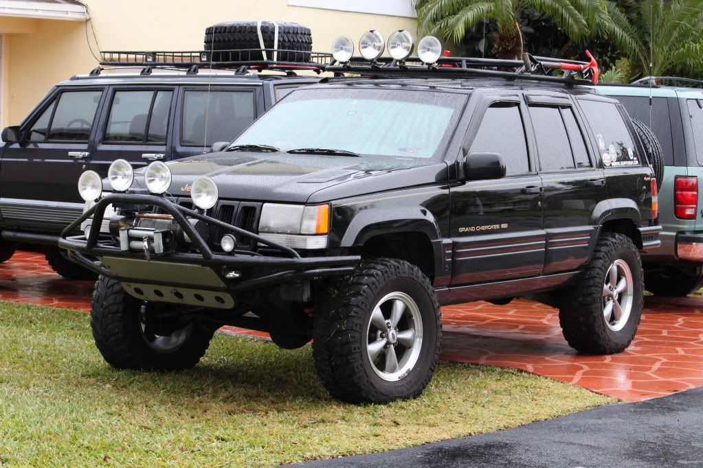 How I D Like Our Jeep To Look Aggressive And Able To Walk The Walk Jeep Zj Jeep Grand Cherokee Jeep Grand Cherokee Zj